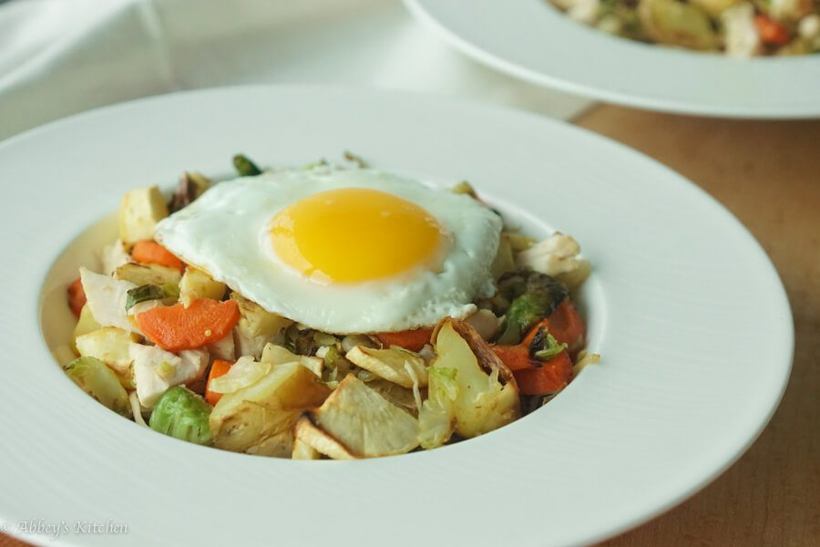 Check out these three healthy recipes for turkey leftovers with turkey chili, pot pie and breakfast hash!