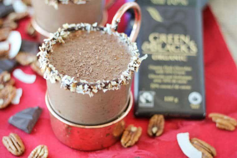 A mug chocolate cocktail.