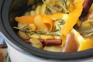 DIY Natural Air Freshener | Slow Cooker Citrus & Maple Air Scent