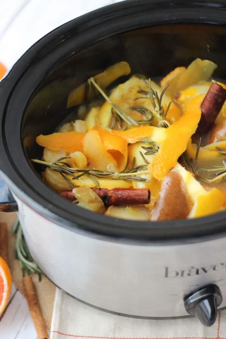 This DIY Natural Air Freshener Recipe is a delicious Slow Cooker Citrus and Maple Air Scent with Pears, Rosemary and Cinnamon.