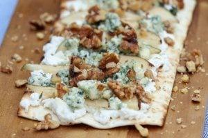 3 Healthy Grilled Pizza Recipes   Pear and Blue Cheese  BBQ Chicken   Corn Cilantro Pesto