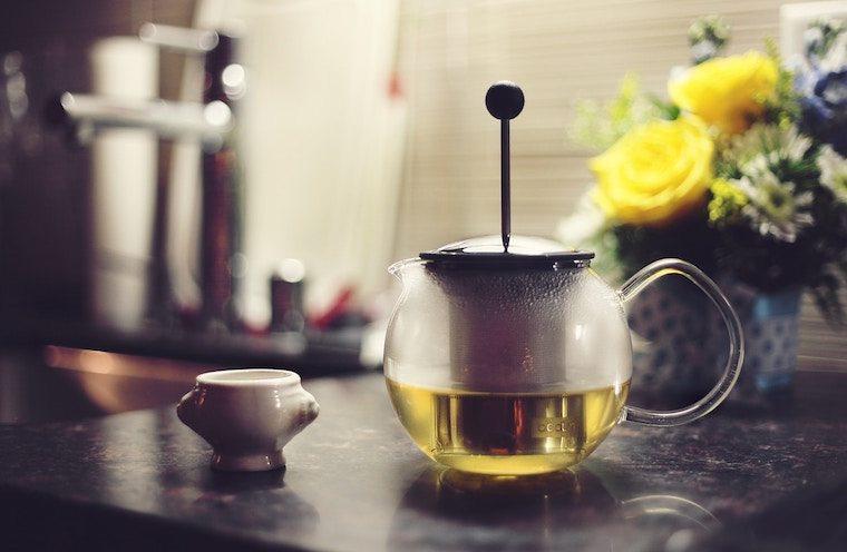 boiling tea pot