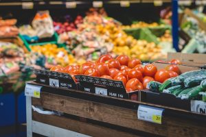 Healthy Grocery Shopping Tips & How the Grocery Store Encourages Unhealthy Eating