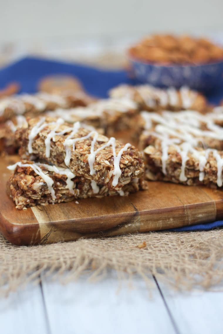 These Vegan Cinnamon Bun Chewy Granola Bars are the perfect Healthy Gluten Free and Plant Based Snack to help get you through the 3 PM energy dip.