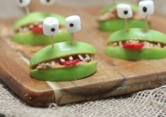 These Halloween Apple and Almond Butter Alien Smiles are amazing gluten free healthy Halloween snacks for kids and adult parties, alike!