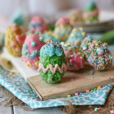 These Vegan Gluten Free Rice Krispies Easter Eggs are coated in a Homemade Vegan White Chocolate that is easy for the whole family to decorate with different colours, sprinkles and candies!