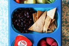 school lunch survival guide: how to pack lunch for everyone in the family with the same ingredient #healthylunch #kidlunch #kidapproved #balancedlunch #survivalguide #backtoschool #healthyfood #healthyeating