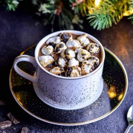 Cap off your Holiday Dinner with these Healthy Vegan Christmas Desserts. Whatever the food intolerance or allergy around the table, these mouthwatering plant based desserts will be a total crowd-pleaser!