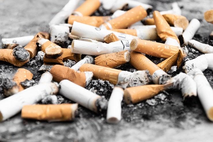 Pile of cigarette buts.