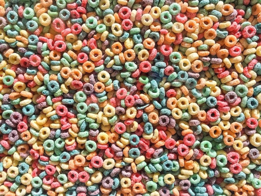 image of fruit loop cereal.