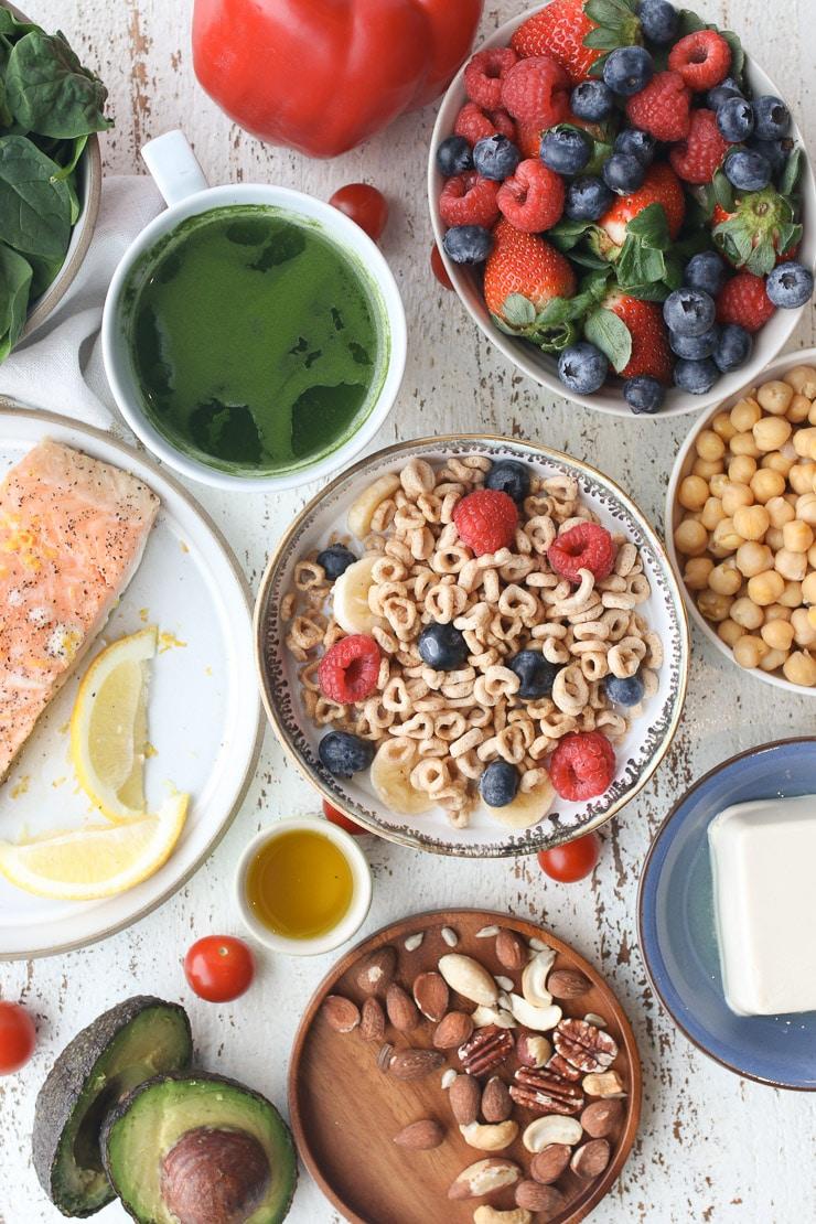 birds eye view of heart healthy diet foods