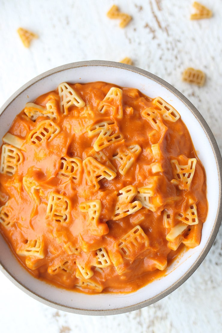 birds eye view of alphaghetti pasta in a white bowl