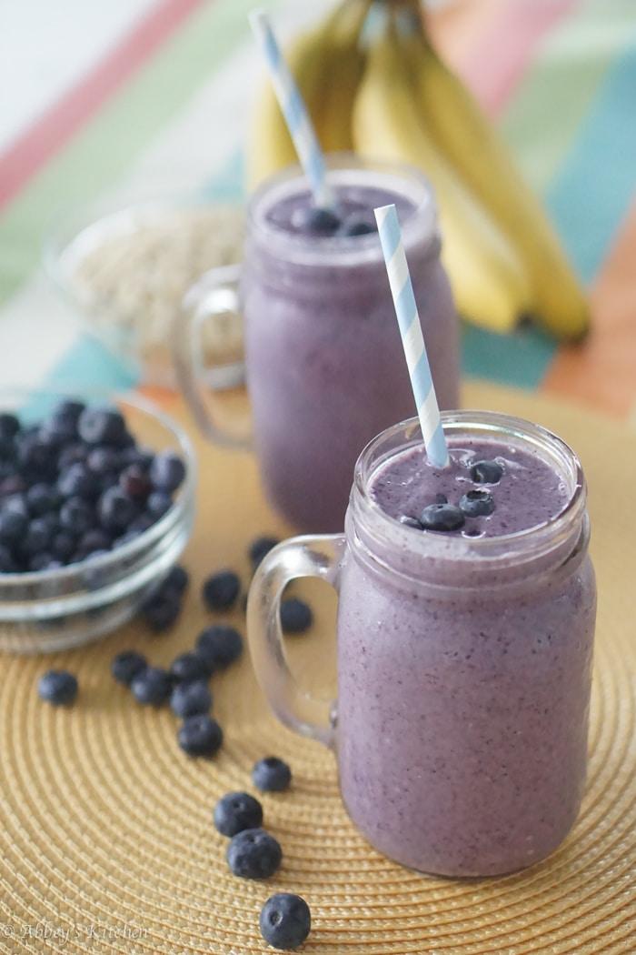 blueberry_cobbler_smoothie_1_of_9.jpg