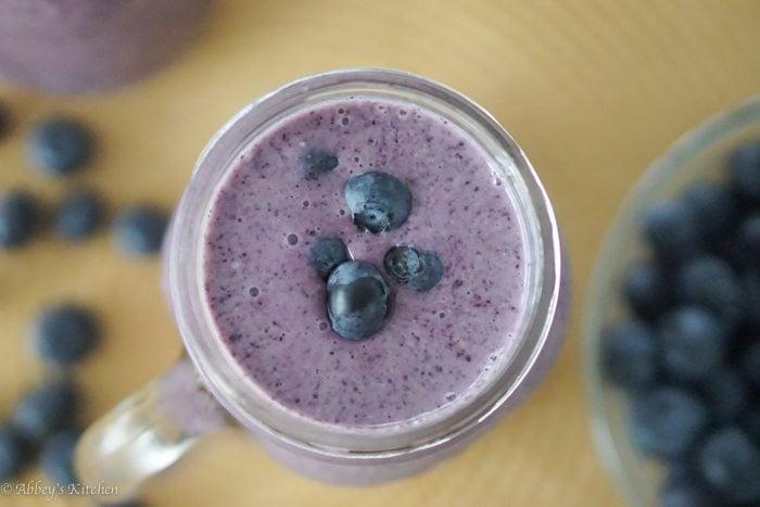 blueberry_cobbler_smoothie_9_of_9.jpg