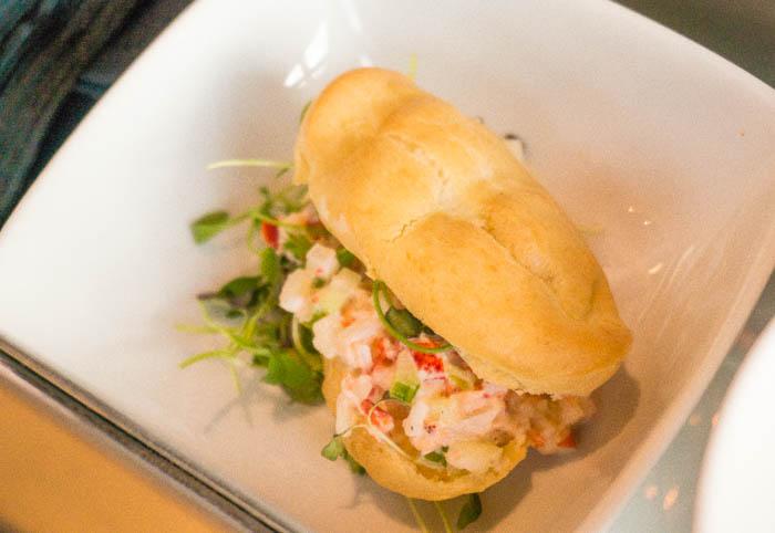 lobster_roll_in_mini_eclair_1_of_1.jpg